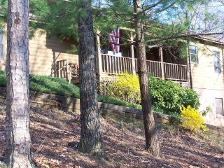 Cabin on Long Mountain - Dahlonega vacation rentals