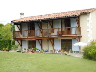 Le Nid -  two bedrooms, minimum stay 3 nights - Montboyer vacation rentals
