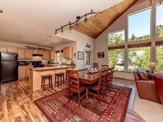 Upscale Cabin Nr Suncadia|3Bd, 2Ba Slp9|Pool Access, 3rd Nt FREE - Cle Elum vacation rentals