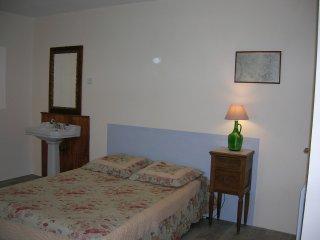 Appartement tout neuf dans un vieux corps de ferme - Brax vacation rentals