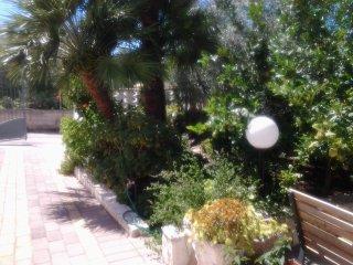 Villa dei Fiori -  Bilocale 2 posti - Chiesiola vacation rentals