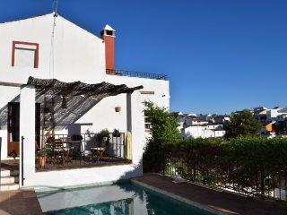 """ casa buena vista"" B&B , pool + Breakfast + Bikes - Arriate vacation rentals"