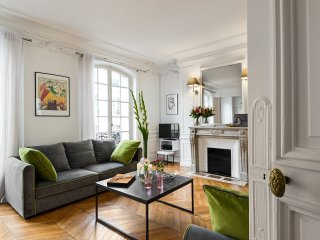 Concorde Chic Three Bedroom - Paris vacation rentals