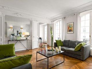 Concorde Chic Three Bedroom - Paris vacation rentals