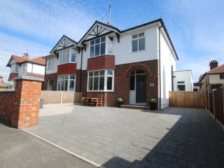 Exceptional 3 bed house in Hoole - Chester vacation rentals