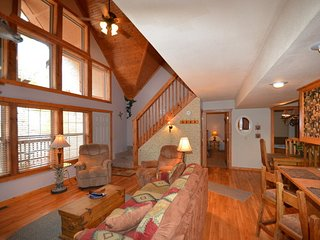 8/8 Cabins at Stonebridge 1 Mile West of SDC - Reeds Spring vacation rentals