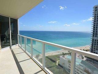 2BDR La Perla Collins Ave 19th floor - Coconut Grove vacation rentals