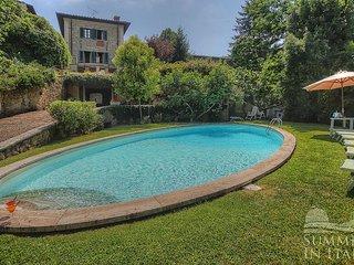 Nice 5 bedroom Lucolena House with Deck - Lucolena vacation rentals