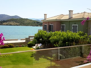 Gorgeous Villa in Lefkada Town with A/C, sleeps 4 - Lefkada Town vacation rentals
