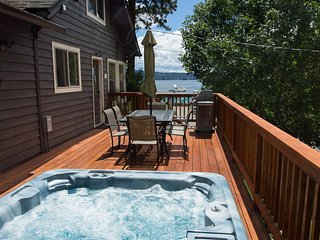 Downtown Cottage with Lake & Park Views w/ Hot Tub - Coeur d'Alene vacation rentals