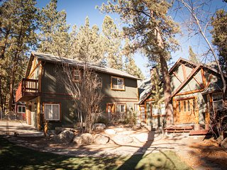 Sleeps 35, hottub, sauna, pool table, close to all - Big Bear City vacation rentals
