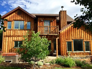 CONTEMPORARY MOUNTAIN HOME WITH VIEWS NEAR SKIING! - Glenwood Springs vacation rentals