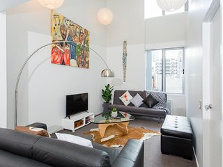 Auckland City Centre Stylish 2 Bed Apartment - Auckland vacation rentals