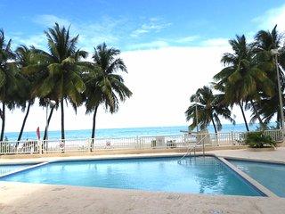 NEW Beach Cabana Sleep 4, 1 bedroom 1 bath 1 park - Isla Verde vacation rentals