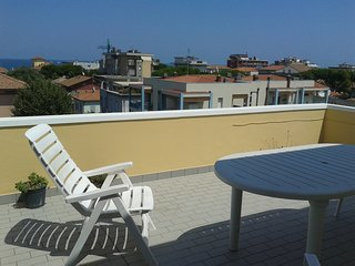 Attico a Viserba con terrazza vista mare - agosto - Viserba vacation rentals