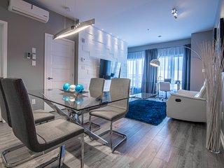 Modern condo Dix30 Brossard - 15 min from Montreal - Brossard vacation rentals