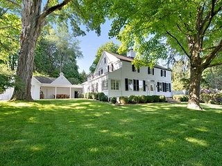 White House! Surroundings so green! Brewster! - Brewster vacation rentals