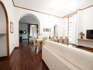 Il Duomo Apartment - Naples vacation rentals