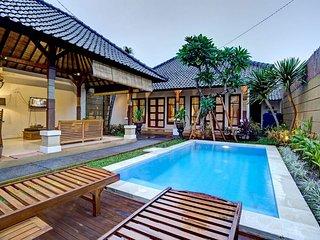 6 Bedroom Comfy Villa Top Location of Seminyak - Seminyak vacation rentals