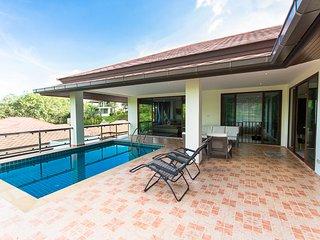 5  bdr luxury seaview pool villa V4 - Chalong Bay vacation rentals