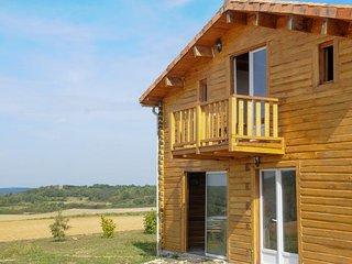 Hébergement insolite dans une maison en bois - Vieux-Mareuil vacation rentals