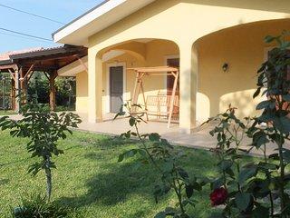 al castagneto, fra mare e montagna - Puntalazzo vacation rentals