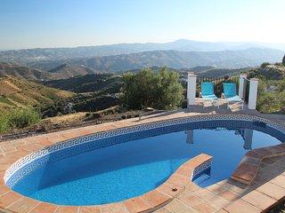 Casa Soleada, incredible views & private pool - Canillas de Aceituno vacation rentals