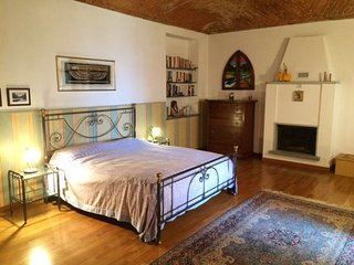 Gorgeous Villa with Wireless Internet and Parking in Azeglio - Azeglio vacation rentals