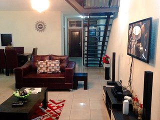 Comfortable 3 bedroom Lagos Apartment with Internet Access - Lagos vacation rentals