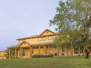 2 bedroom Resort with Internet Access in New Braunfels - New Braunfels vacation rentals