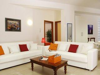 2 bedroom Apartment with Internet Access in Taranto - Taranto vacation rentals
