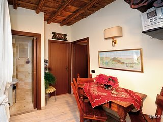 2bed/2bath apt close to Piazza Navona RMAP51 - Rome vacation rentals