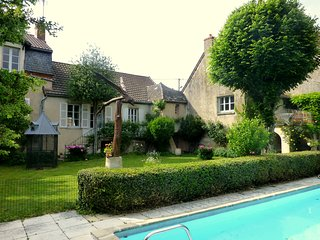 Bright 4 bedroom Saone-et-Loire House with Internet Access - Saone-et-Loire vacation rentals