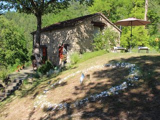 La Casetta, cosy cottage in the forest, art & yoga - Casola Valsenio vacation rentals