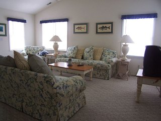 Condo 3BR in Town - Avalon vacation rentals