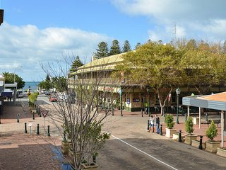 Southern Comfort Lodge - Victor Harbor - Victor Harbor vacation rentals
