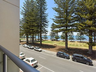 16 The Breeze - Victor Harbor - Victor Harbor vacation rentals