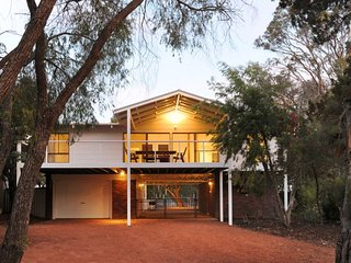 Bright House in Dunsborough with A/C, sleeps 12 - Dunsborough vacation rentals