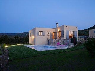 Casa Sicreta, villa climatisée avec piscine Lozari - Palasca vacation rentals