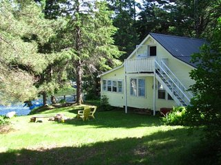 3 Bedroom Vintage Muskoka Cottage, Dog Friendly! - Algonquin Park vacation rentals
