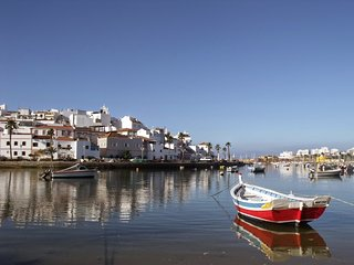 Charming 2 bedroom cottage in Ferragudo - Ferragudo vacation rentals