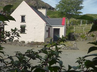 Pat Mors Cottage - Cozy, traditional Irish living - Clonbur vacation rentals