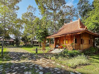 HOME Bungalow Village near Borobudur Temple - Borobudur vacation rentals
