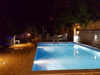 Cozy 2 bedroom Condo in Rezevici - Rezevici vacation rentals