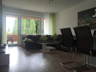 2 bedroom Apartment with Elevator Access in Cologne - Cologne vacation rentals