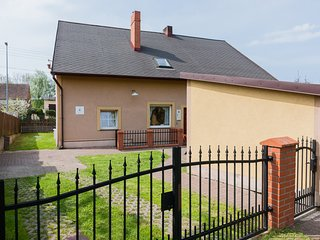 Charming 4 bedroom Kolczewo House with Internet Access - Kolczewo vacation rentals