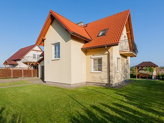 Charming 1 bedroom Kolczewo Apartment with Internet Access - Kolczewo vacation rentals