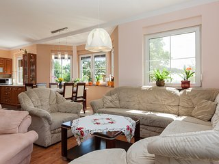 Charming 1 bedroom Condo in Kolczewo with Internet Access - Kolczewo vacation rentals