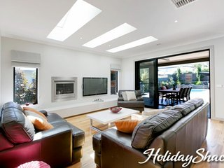 Rutland Beach House - Luxury Mount Eliza Retreat - Mt Eliza vacation rentals