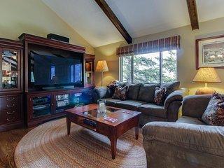 Spacious mountain home w/ deck & views - close to the lake! - Estes Park vacation rentals
